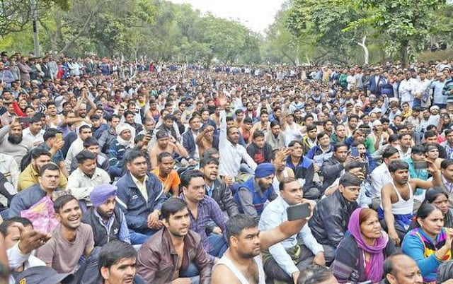 DTC Contract workers demand permanent jobs protest at new delhi, woker voice